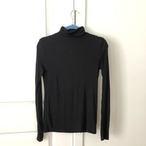 GAP ribbed black turtle neck size S
